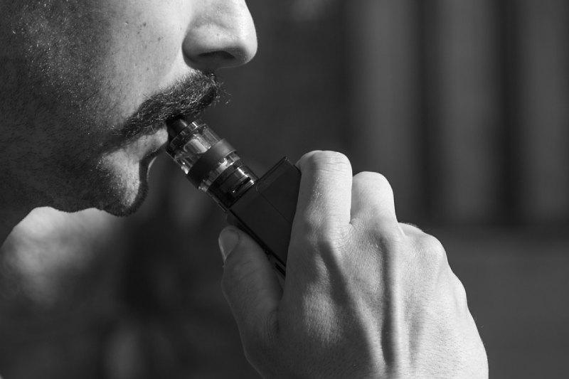 fumare cbd sigaretta elettronica