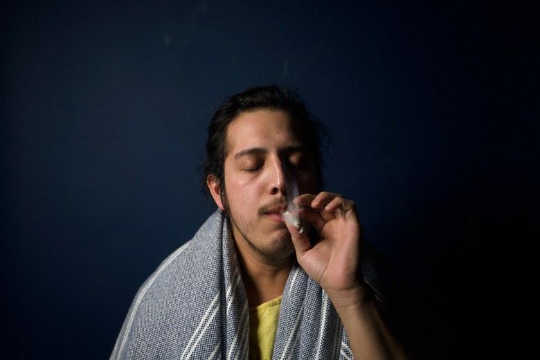 fumare più cannabis di quanto previsto sintomo di dipendenza