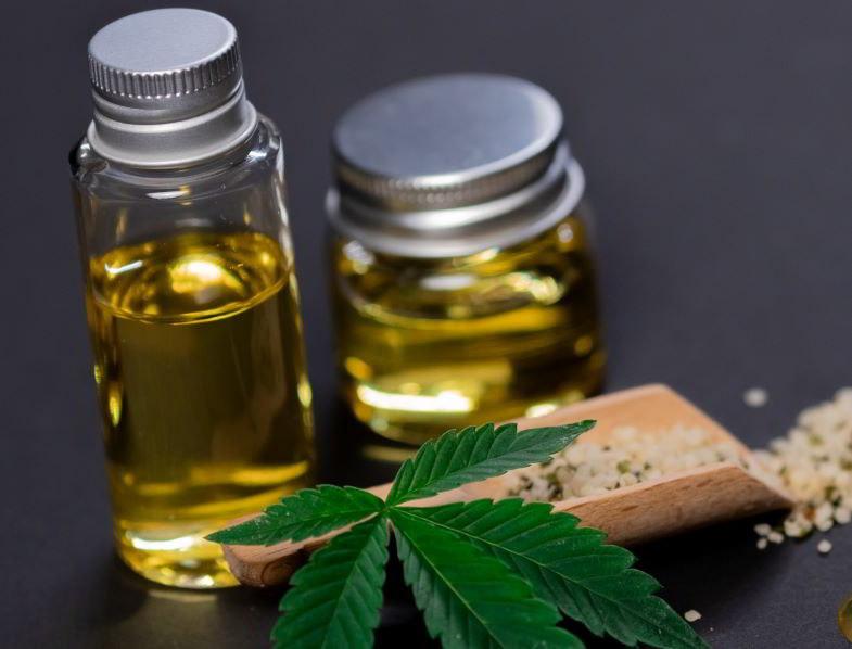 cosa fare con le foglie di cannabis