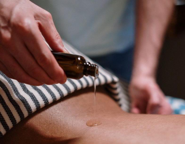 olio di canapa sulla pelle